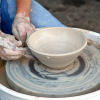 stoken in keramiekoven